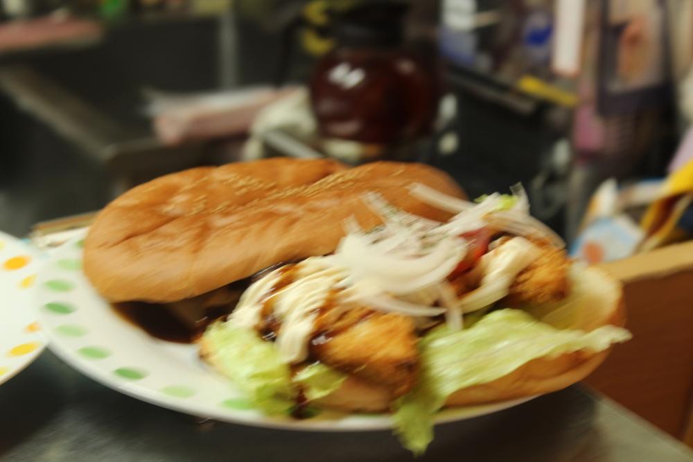Launa Chicken Sandwhich.JPG
