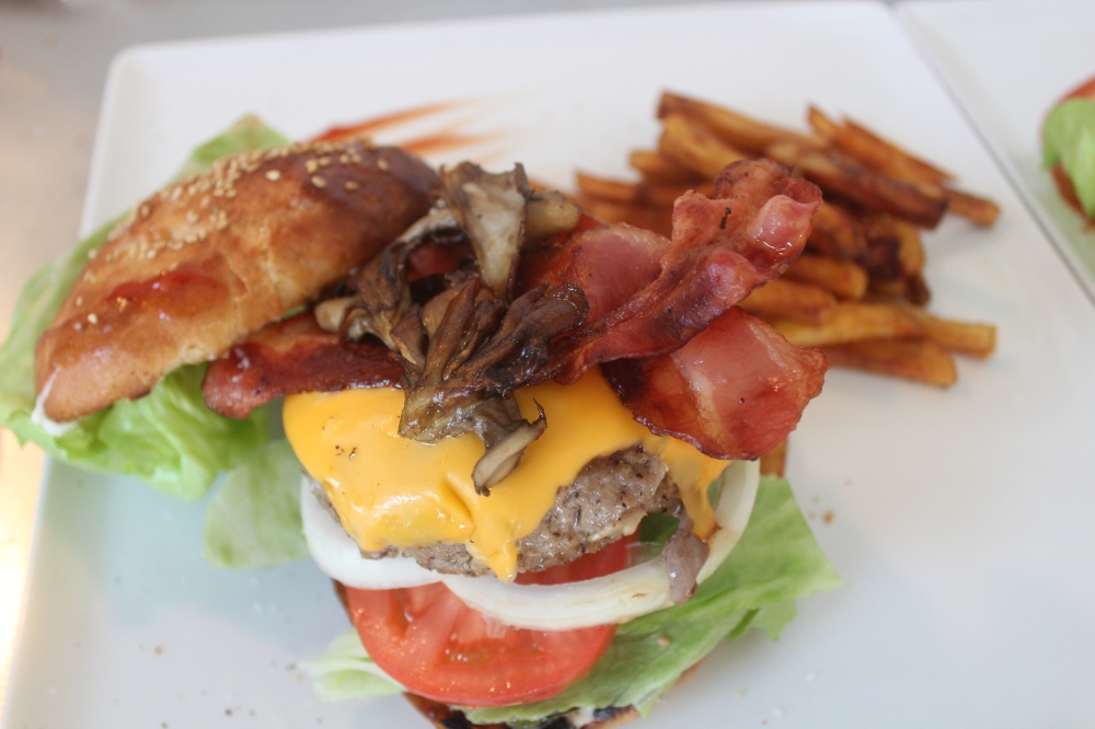 bacon chz burger (1)