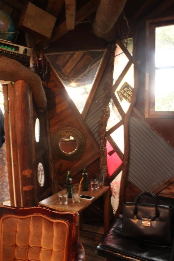 treehouse cafe yokohama decor from my table (5)