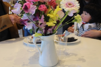 Lisa's Cake Market flowers at the table